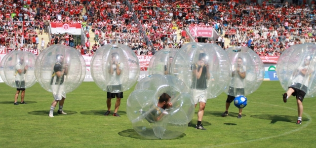 Über 5000 Bubble Football Spieler